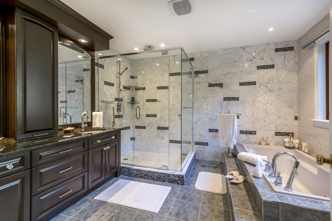 Bathroom Remodeling Livonia MI - Countertop Installation Trenton, Cabinets, Vanities | KDI Kitchens - iStock_23247905_MEDIUM